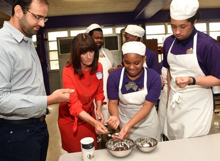 'She saved my life,' superstar chef Alon Shaya (HHS '97) says of home-ec teacher